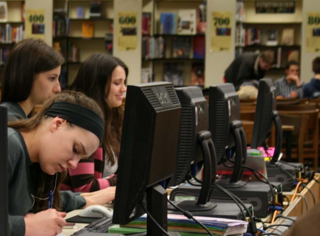 StudentsAtComputers
